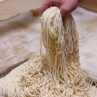 機械を一切使用しない純手打麺