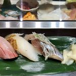 立食い寿司 根室花まる - かんぱち、真鱈の昆布締め、厚岸にしん