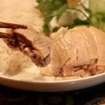 Bai toong - 茹で鶏リフト