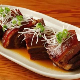 この一品で沖縄を感じる!泡盛使用の本格豚の角煮『ラフテー』