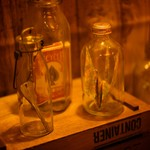 マジックレストラン&バーGIOIA 銀座 - 瓶の中にありえないものが…どうやって入れたの?