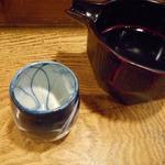 企久太 - みそ汁茶碗みたいなのから注ぐ