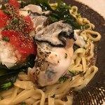 饗 くろ喜 - 生で食べられる牡蠣をサッと湯通し