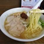 大江戸 - 細麺です(味噌ラーメン)