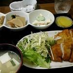 ひまわり食堂 - 料理写真:チキンカツ定食。