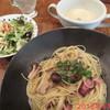 ビストロ ぱすとらる - 料理写真:日替わりランチ(3種きのことベーコンのペペロン) \1000