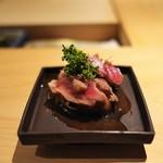 寿しの吉乃 - マグロのじゃばらに花山椒。