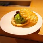寿しの吉乃 - デザート。パリッパリの最中。