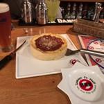 イザカヤ・ジャ・ナイ - シカゴピザとビールのマリアージュ