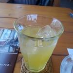ロアジス - ドリンク写真:リンゴジュース