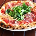 小麦がうまいピザの店 PIZZA PAZZA - ドンナターレ