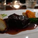 84668075 - 国産牛ホホ肉の赤ワイン煮込みアップ