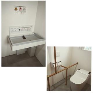 車イス対応トイレ・ベビールーム