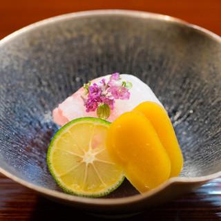 季節の息吹を感じさせるような、豊潤なおいしさに満ちた一皿を