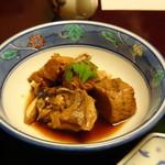 花源 - ◆あら炊きは甘辛く煮られお味が浸みています。ただ身が少なくて。(^^;)