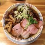 サバ6製麺所 - サバ醤油そば 700円