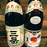 食楽 - 三岳、伊佐美ありまーす一杯600円。