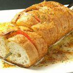 A DAY~こころの灯り家~ - 【パンとモッツァレラチーズの串焼き】オーナーの一押し(笑)