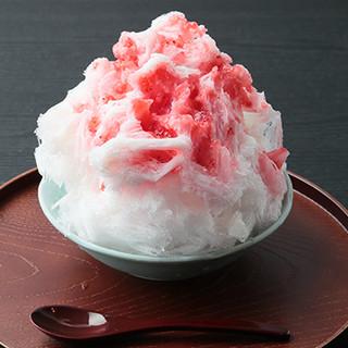 《夏季限定》天然氷を使用した【かき氷】はふわっとした口どけ◎