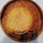 ベーカリーコネル - ハムとモッツァレラチーズ 180円