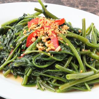 当店のお料理すべて、毎日仕入れる新鮮野菜を使用しております◎