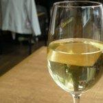 オステリア・ド・イタリア オリーブ - ワインも種類豊富に取り揃えています。