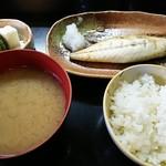 おにいちゃん - 料理写真:サバ塩焼き定食