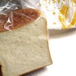 84699577 - キィニョンの食パン。