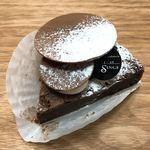 ベル・エ・サンジュ - まるで生チョコのようなガトーショコラ