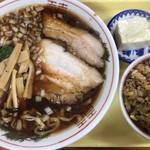 福福亭 - 料理写真:支那そば半チャーハン