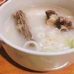 84712442 - 乳白色のスープで骨つきカルビ入りのコムタン。