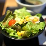 AKASAKA Tan伍 - 牛タン焼き定食 1000円 のサラダ