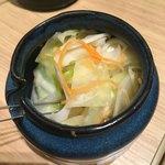 博多天ぷら たかお - 食べ放題の浅漬け
