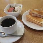 ひつじ珈琲店 - 料理写真:Bモーニング+サラダ