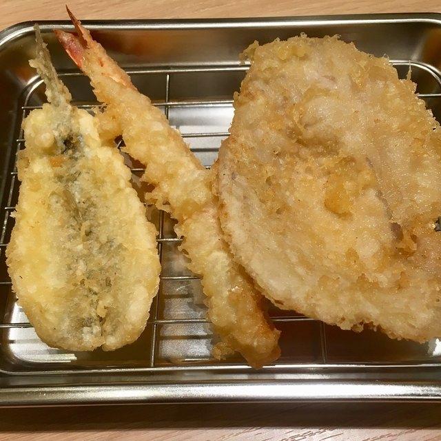 広島で揚げたてアツアツの天ぷら