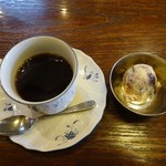 華麗亭 - 食後はコーヒーとアイス
