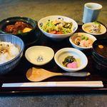 豆まる - 鶏つくねの京桜みそ煮込み膳