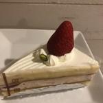 ニシキヤ洋菓子店 - イチゴ生クリームと、二層のショートケーキ様!美味しい!あまり甘くないから、大丈夫ですよ!