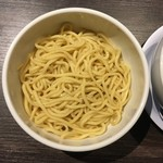 滋賀石山TOMOにぼ次朗 - 麺