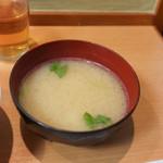 とん八亭 - 味噌汁