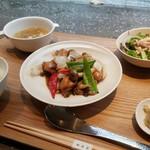84750406 - 鶏と野菜の豆チ炒めランチ