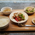84750409 - 鶏と野菜の豆チ炒めランチ