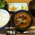 Motsuyakishourihanare - 名物 煮込み定食 1000円