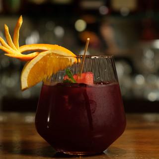 豊富なお酒で楽しむ、空間、時間。