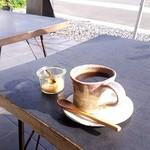 84755424 - テラス席でたんぽぽコーヒー