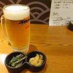 さかなや道場 - 料理写真:キリン一番搾り生中(480円)、お通し(350円)