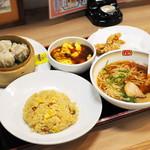 餃子の王将 - 料理写真:せんばアパレルセット