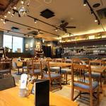 肉が旨いカフェ NICK STOCK - 内観☆