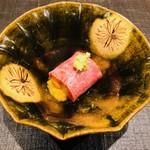 おにく 花柳 - 和牛クラシタの軽い炙り 北海道産 生雲丹巻き 天山葵