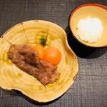 おにく 花柳 - 和牛焼きすき焼き 山梨県中村農場 八ヶ岳卵 一口御飯
